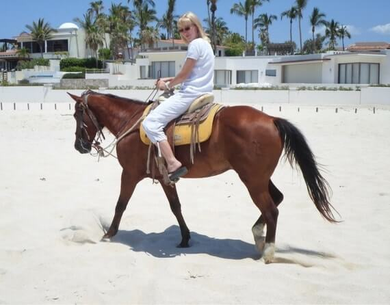 катание на лошадях в Мексике